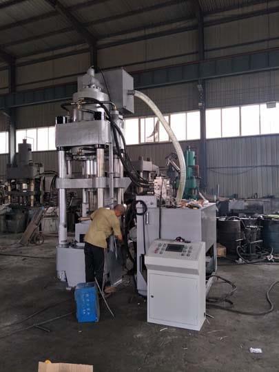 vertical-metal-briquette-machine-manufacturing