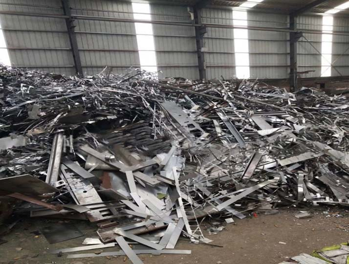 waste metal scraps for baling and recycling