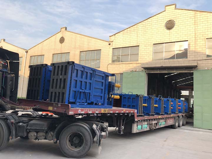 vertical metal baler machines are prepared for shipping