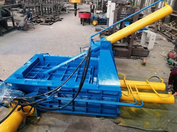 Commercial aluminum can baler machine